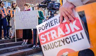 Strajk nauczycieli trwa. Rząd wprowadza plan awaryjny. Matury nie są zagrożone