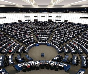 Lepiej być europosłem niż prezesem Stadionu Narodowego