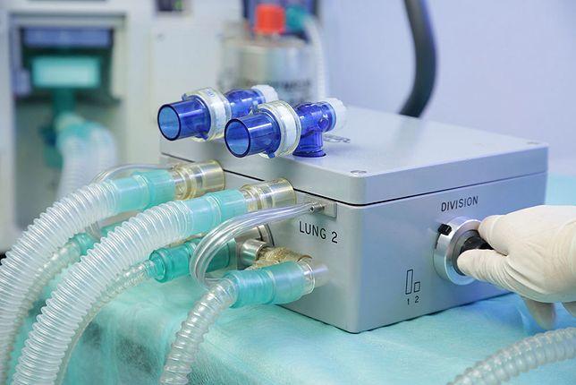 Ventil - to dzięki niemu dwie osoby będą mogły korzystać z jednego respiratora.