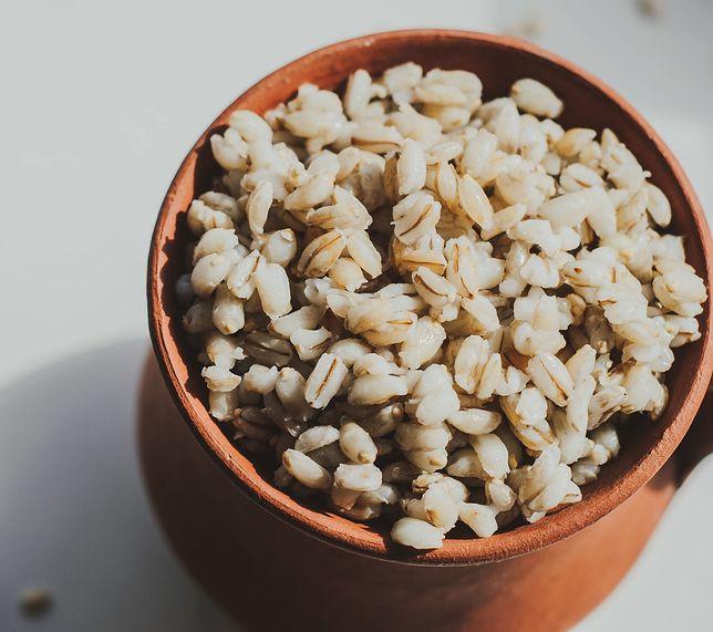 Kasza jęczmienna jest cennym źródłem glutenu i błonnika
