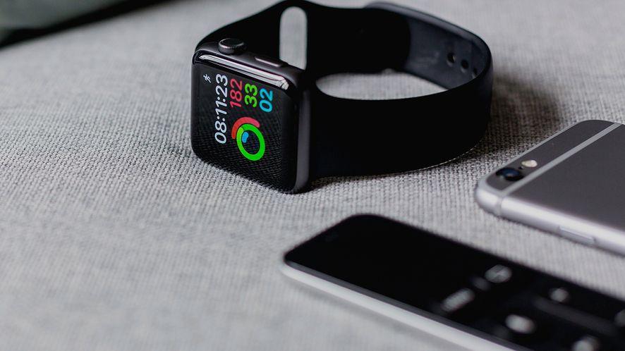 Apple Watch bez funkcji Walkie-Takie. Umożliwiała podsłuchiwanie użytkowników