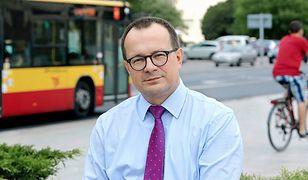 Łódź: ulotki wyborcze na torebkach na psie kupy