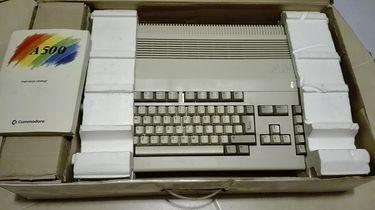 Retrociśnienie część 3 — retroparanoja - Jedna z ofert w serwisie olx.pl - Amiga 500.