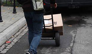Piaseczno. Praktykant ukradł auto z paczkami. Firma kurierska nie ma jego danych