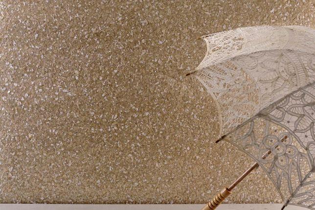 Dobrze dobrany tynk japoński sprawdzi się zarówno w aranżacjach zainspirowanych stylem nowoczesnym, jak i klasycznym