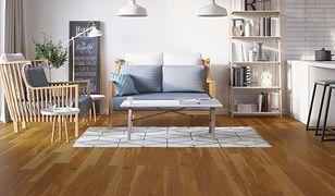Jeśli marzysz o drewnianej podłodze, a nie możesz sobie na nią pozwolić, zdecyduj się na panele drewniane.