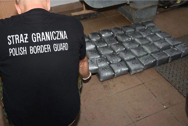 Podlasie. Rosyjski kurier próbował przemycić ponad 50 kg haszyszu