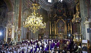 Abp Józef Życiński spoczął w krypcie biskupów