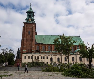 Katedra w Gnieźnie po zniszczeniach