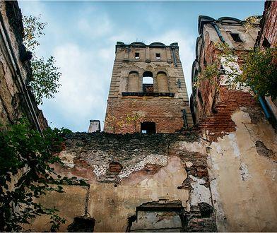 """Zamek w Ratnie Dolnym. """"Wielki wstyd"""" czy szansa na ratunek?"""