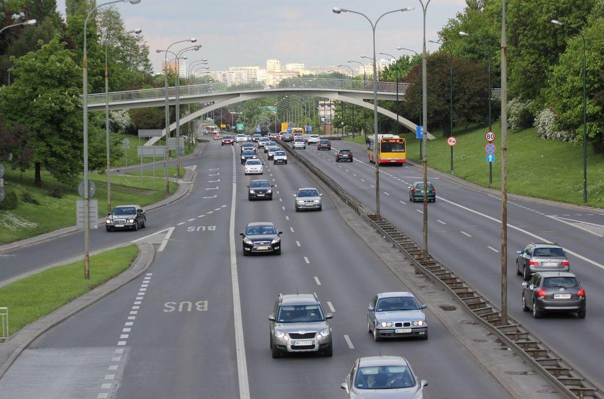 Cud nad Wisłą. Zamknięto most Łazienkowski, zmniejszyło się zanieczyszczenie powietrza!