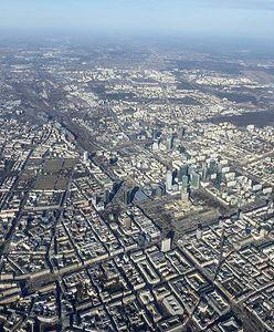 Warszawa. Nad miastem lata specjalistyczny samolot. Będzie 7 tys. zdjęć