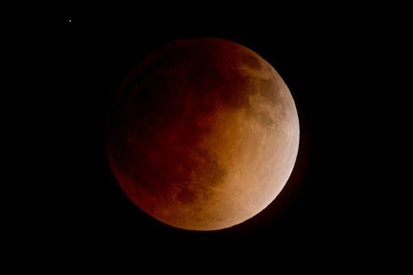 Obserwujmy całkowite zaćmienie Księżyca