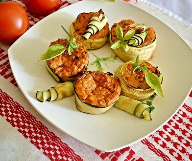 Pomidorowo-bazyliowe serniczki z cukinią