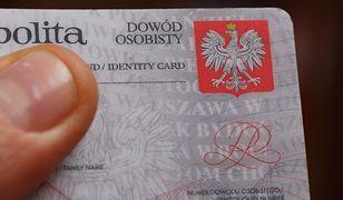 Sprawdź ważność swojego dowodu osobistego - radzi Mariusz Błaszczak, szef MSWiA