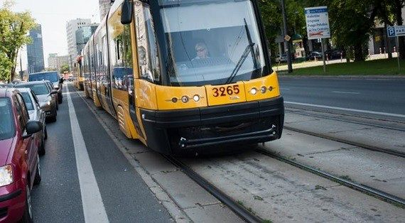 Wykolejony tramwaj przy Parku Traugutta. Dwie godziny utrudnień