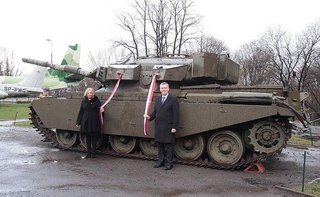 Król Niderlandów podarował warszawskiemu muzeum zabytkowy czołg