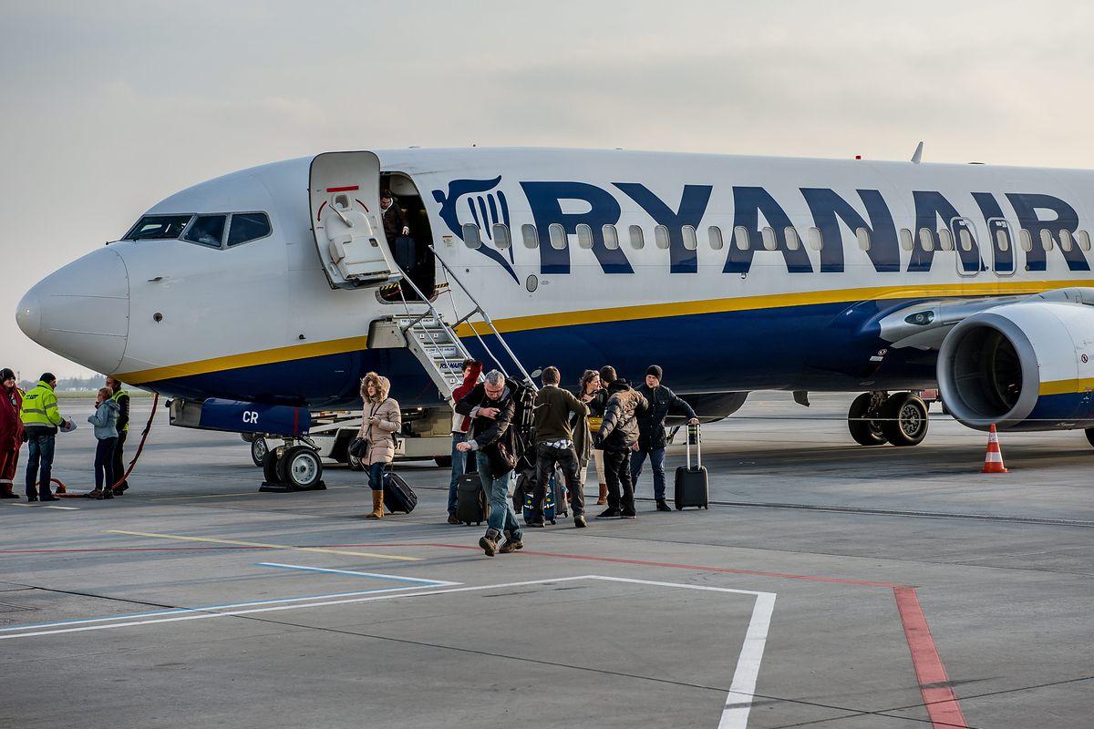 Nowe obietnice Ryanaira. Szybsze odszkodowanie, większa punktualność, więcej ekologii
