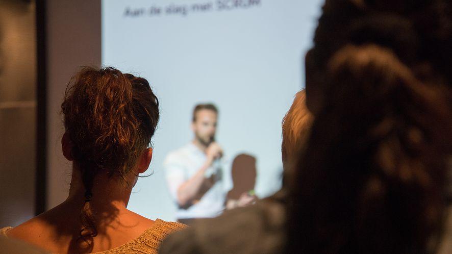 PowerPoint walczy z wykluczeniem, podczas prezentacji wyświetli napisy