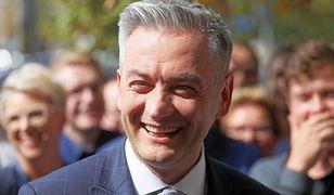 Robert Biedroń chce uściślenia systemu podatkowego dla duchownych.