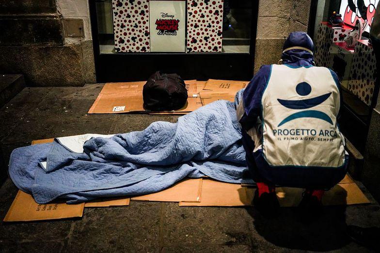 Ciało bezdomnego na dworcu. Prawda okazała się inna