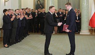 5 marca minister środowiska Michał Woś odbiera nominacje z rąk prezydenta