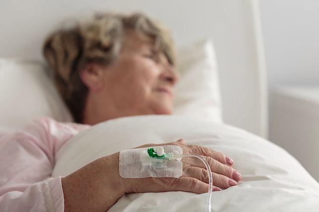 """Opieka nad chorymi rodzicami. Dzieci nie chcą być """"pielęgniarkami na starość"""""""