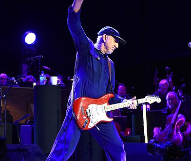 Pete Townshend, gitarzysta The Who, na scenie w 2019 r.