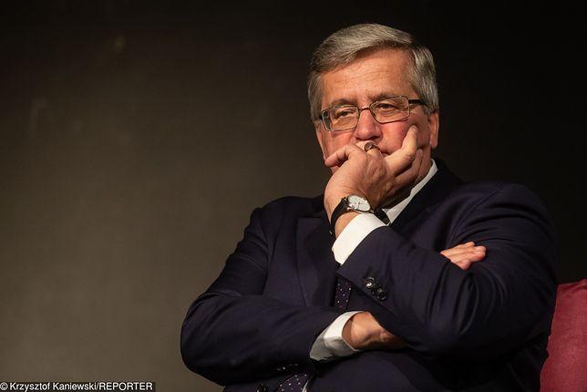 Były prezydent Polski Bronisław Komorowski krytycznie ocenia system wynagrodzeń w NBP