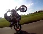 KTM 690 SMC-R - Wheelie Monster!