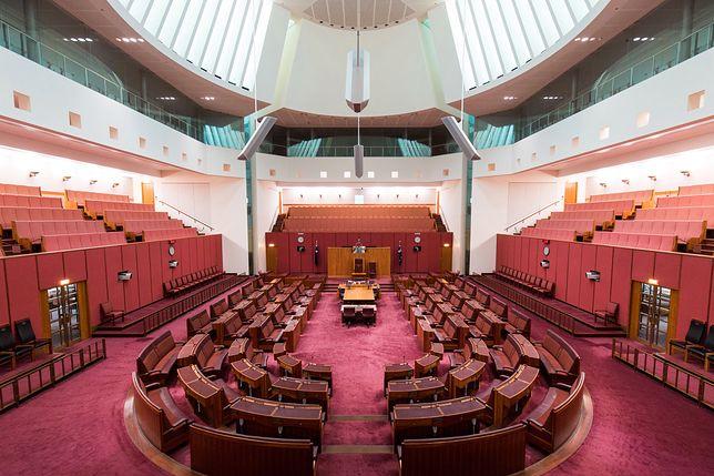 Dziennikarka została wyproszona z australijskiego parlamentu z powodu swojego stroju