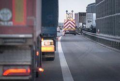Autostrada A2 zablokowana. Kobieta zakleszczona w aucie