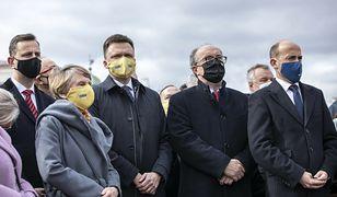 Wszyscy przeciw PiS? Opozycja analizuje możliwe warianty przed wyborami