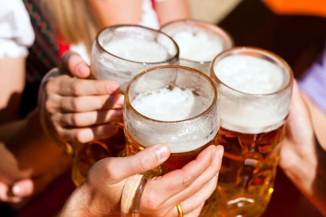 Alkohol dzieli PiS. Jedni chcą wprowadzić nocną prohibicję, inni zwiększać produkcję