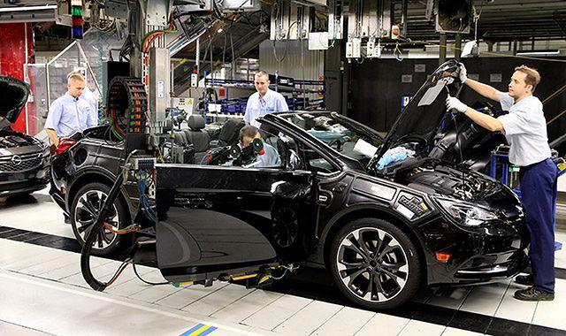 Gliwicka fabryka Opla zwiększyła produkcję samochodów o połowę
