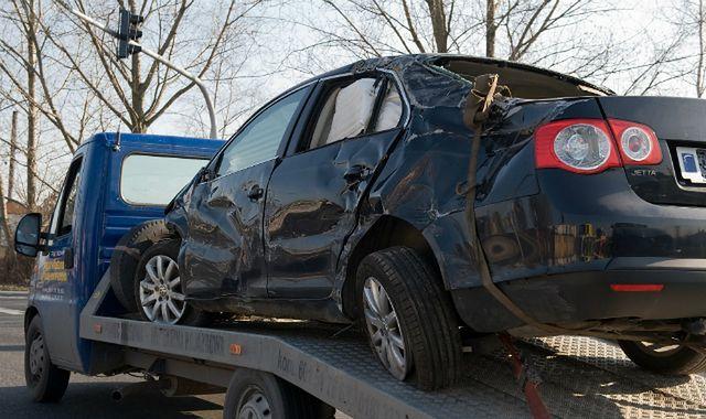 Samochodowe starocie za 500+ zalewają polskie ulice