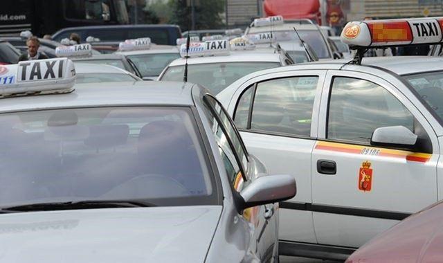 """Wpadli nieuczciwi taksówkarze. """"Zawyżali kwoty za przejazd"""""""