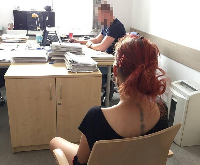Warszawa. Weszła do przenośnej toalety z dzieckiem i wstrzyknęła sobie heroinę