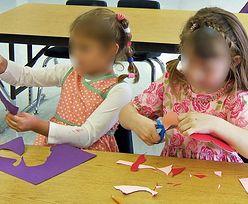 Przedszkolanka przykleiła dzieci taśmą do krzeseł. Sprawa trafiła na policję