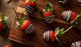 Truskawki w czekoladzie to jeden z najpopularniejszych przysmaków