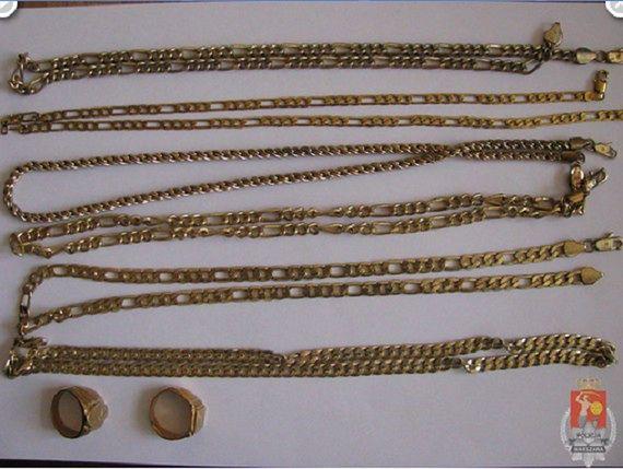"""Sprzedawał """"złotą"""" biżuterię..."""