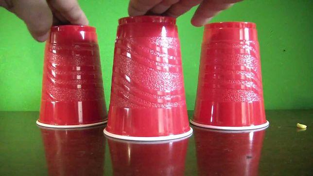 Gra w trzy kubki. Policja w Zakopanem wystosowała apel do turystów