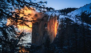 """Dolina Yosemite. """"Płonący"""" wodospad znów przyciąga tłumy turystów"""