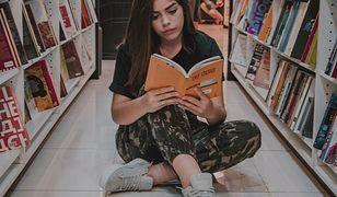 Przeciętny Polak wydał w 2020 r. o 1,44 zł więcej na książki niż w 2019 r.