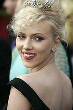 Scarlett Johansson: Zanim się zbliży już od niego ucieka