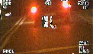 Kadr z filmu nagranego przez policyjny wideorejestrator