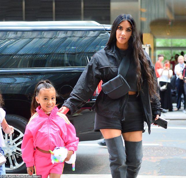Pierwsza kampania córki Kim Kardashian. 5-latka reklamuje torebki
