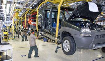 Branża motoryzacyjna stawia na pracowników z doświadczeniem