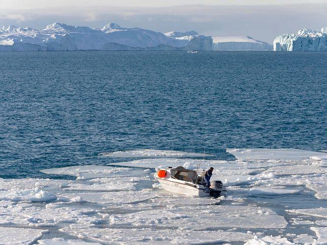 Rosja. Zatonął statek na Morzu Barentsa, zdjęcie ilustracyjne