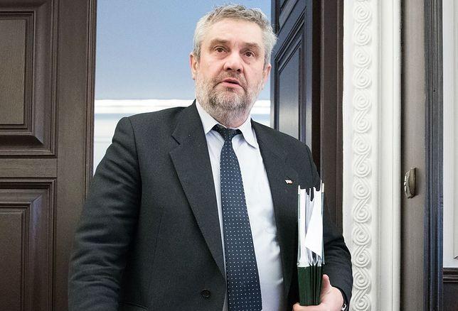 264 mln zł rozdał na premie, trzynastki i nagrody
